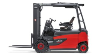 The Linde E20 – E35 R electric forklift trucks.