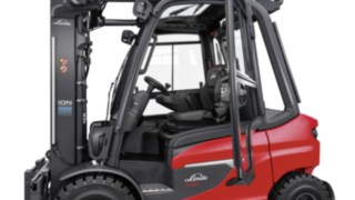 The spacious driver's cab in the X20 – X35 electric forklift trucks from Linde Material Handling