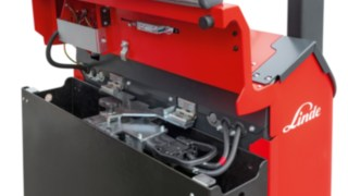 The E10 electric forklift truck from Linde Material Handling features lateral battery changing, making it suitable for use in multi-shift operation.