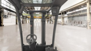 View from the Linde Material Handling H20–H35 forklift truck