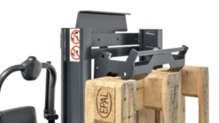 The pallet holder for the N20 order pickers from Linde Material Handling
