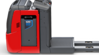 The V08 order picker from Linde Material Handling with lithium-ion battery.