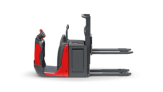 The N20 D, N20 D HP double-deck order pickers from Linde Material Handling enable the simultaneous loading and transportation of two pallets at different heights.