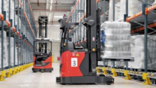 Automated R-MATIC reach truck from Linde Material Handling in the warehouse