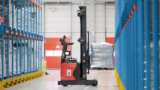 The new automated R-MATIC reach truck