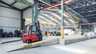 The electric forklift trucks from Linde Material Handling are fitted with data transmission units as standard.