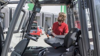 Software systems from Linde Material Handling simplify maintenance planning.