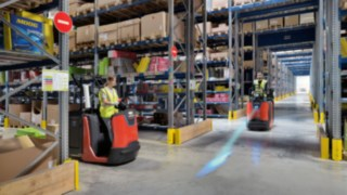 The Linde BlueSpot™ route warning system makes forklifts silently visible.