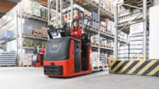 N20C order picker from Linde Material Handling in use in the warehouse