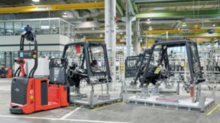 Automated forklift L-Matic from Linde in use in the manufacture of vehicles
