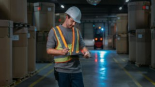 The interactive warning vest from Linde Material Handling makes your warehouse a safer place to work.