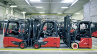 There are always lots of used forklifts in stock due to the standardized industrial refurbishment process.