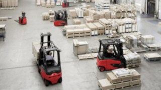 Forklifts from Linde Material Handling in use in the warehouse