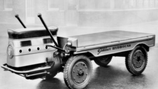The Hydrocar, one of the first goods transport vehicles from Linde Material Handling