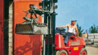 The first forklift truck from Linde Material Handling—the Hubtrac