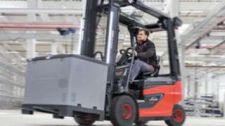 The E20 - E35 R roadster models from Linde Material Handling ensure a clear view.