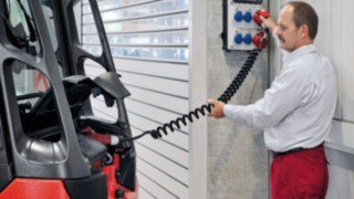 Onboard charger from Linde Material Handling
