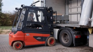 Linde Material Handling E35 electric forklift truck loading metal at Reinheim-based Grass GmbH.