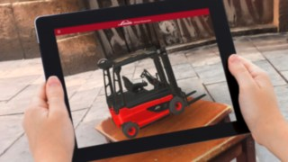 The Virtual Showroom app from Linde Material Handling projects a virtual industrial truck onto a stool.