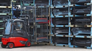 Linde electric forklift trucks