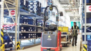 Automated tow trucks from Linde