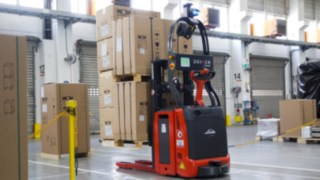 Automated warehouse truck from Linde in operation at Wolf Heiztechnik