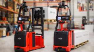 Linde T-MATIC pallet truck and Linde L-MATIC AC counterbalance pallet stacker