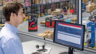 Fleet manager is able to keep an eye on his fleet thanks to Linde connect