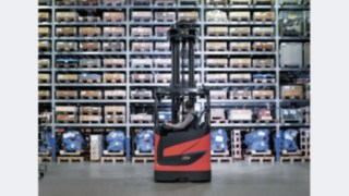 The Linde R10 B to R25 reach trucks with a chassis width of 1,270 millimetres are now available as Li-ION versions.
