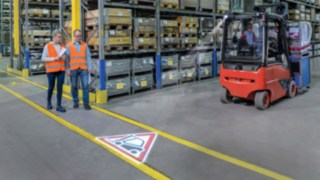 Linde's newly developed optical warning system TruckSpot