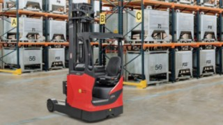 Linde presents new explosion-proof reach trucks