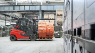 New generation of fully networked Linde counterbalance trucks