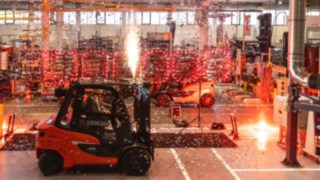 Linde delivers milestone truck to customer in Spain