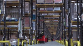 Still from the video on R14 – R17 X reach trucks in operation in cool storage at Culina
