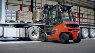 The new H20 diesel forklift truck unloading a truck