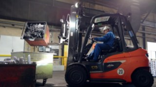 The H30 diesel forklift truck in use at Bohai Trimet Automotive
