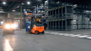 Screenshot of the video on the deployment report for the automotive supplier SMP
