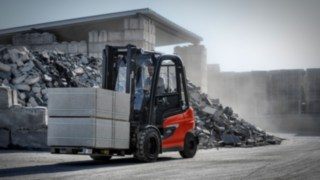 Electric forklift X35 from Linde transports goods outdoors