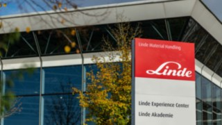 The Education and Training Program from Linde Material Handling helps to continuously improve warehouse safety.