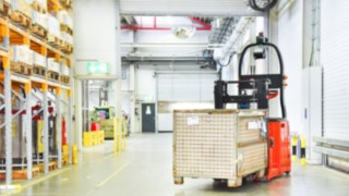 The L-MATIC from Linde Material Handling in use in the warehouse